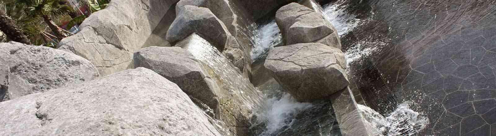 Décor en rochers sculptés