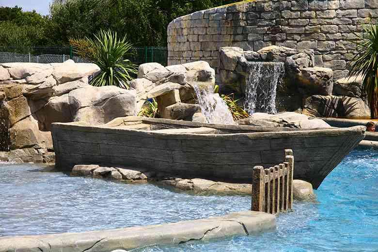 Faux rochers - Parcs aqualudiques
